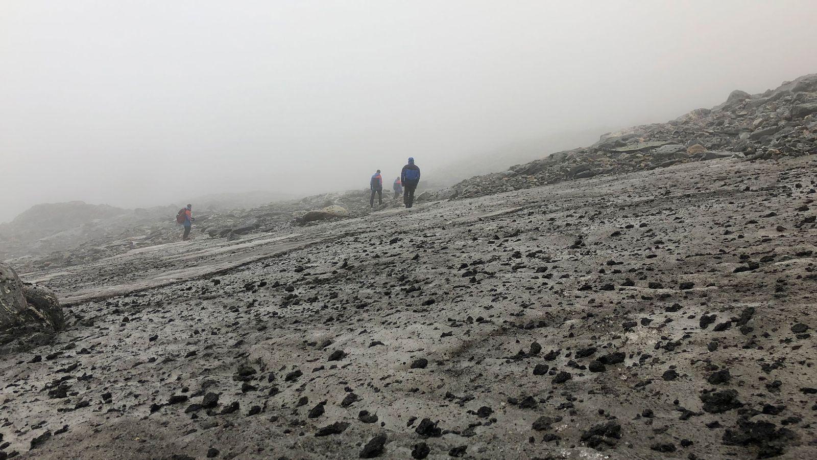 La plaque de glace de Lendbreen, en Norvège, photographiée ici en 2019, être en train de ...
