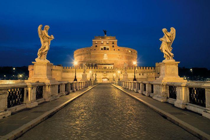 À l'arrivée à Rome du roi de France Charles VIII, le pape Alexandre VI se réfugie ...