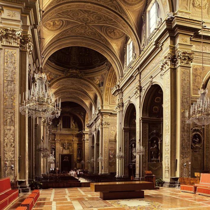 La cathédrale de Ferrare, bâtie au 13e siècle, où s'est tenue la messe solennelle scellant les ...