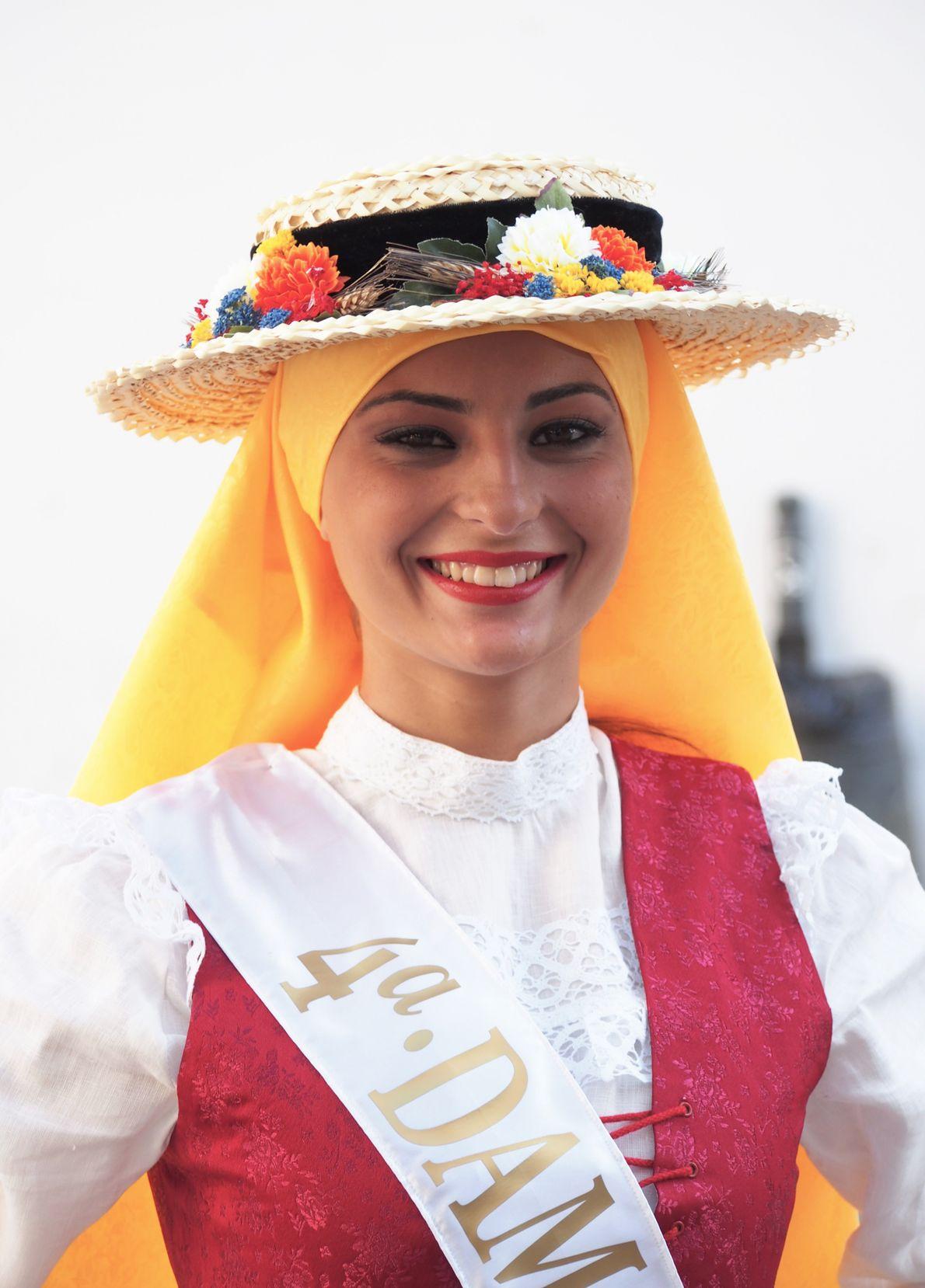 """Pour chaque Lustrales """"una reina de las Lustrales"""" est élue. Pour la journée de la Romeria, ..."""
