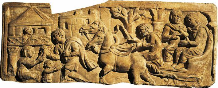 Un relief représentant l'arrivée de voyageurs dans une mansio. Ces auberges officielles bordaient les voies romaines. ...