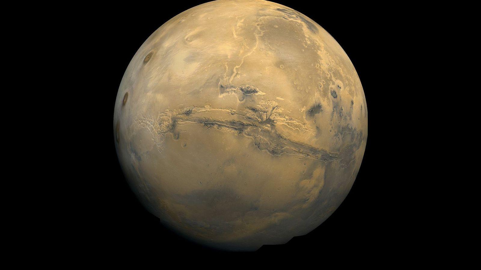 Le globe de Mars tel qu'il apparaît dans une mosaïque d'images prises par les orbiteurs Viking.