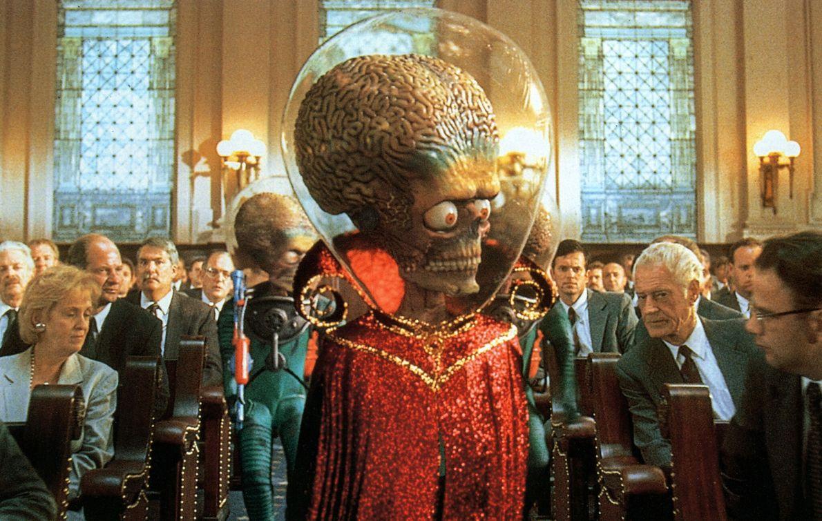 1996 : Mars Attacks!  Réalisée par Tim Burton, cette comédie se moquait des films de science-fiction des années 1950. Il raconte ...