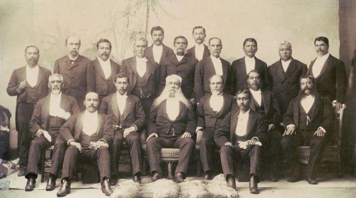 En 1893, le président américain Grover Cleveland a nommé James H. Blount pour enquêter sur le ...