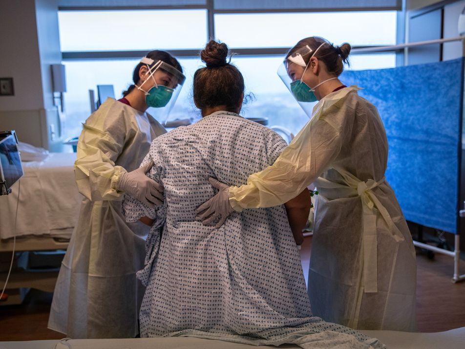 Aux États-Unis, la crise du coronavirus révèle les failles d'un système de santé défavorisant les femmes