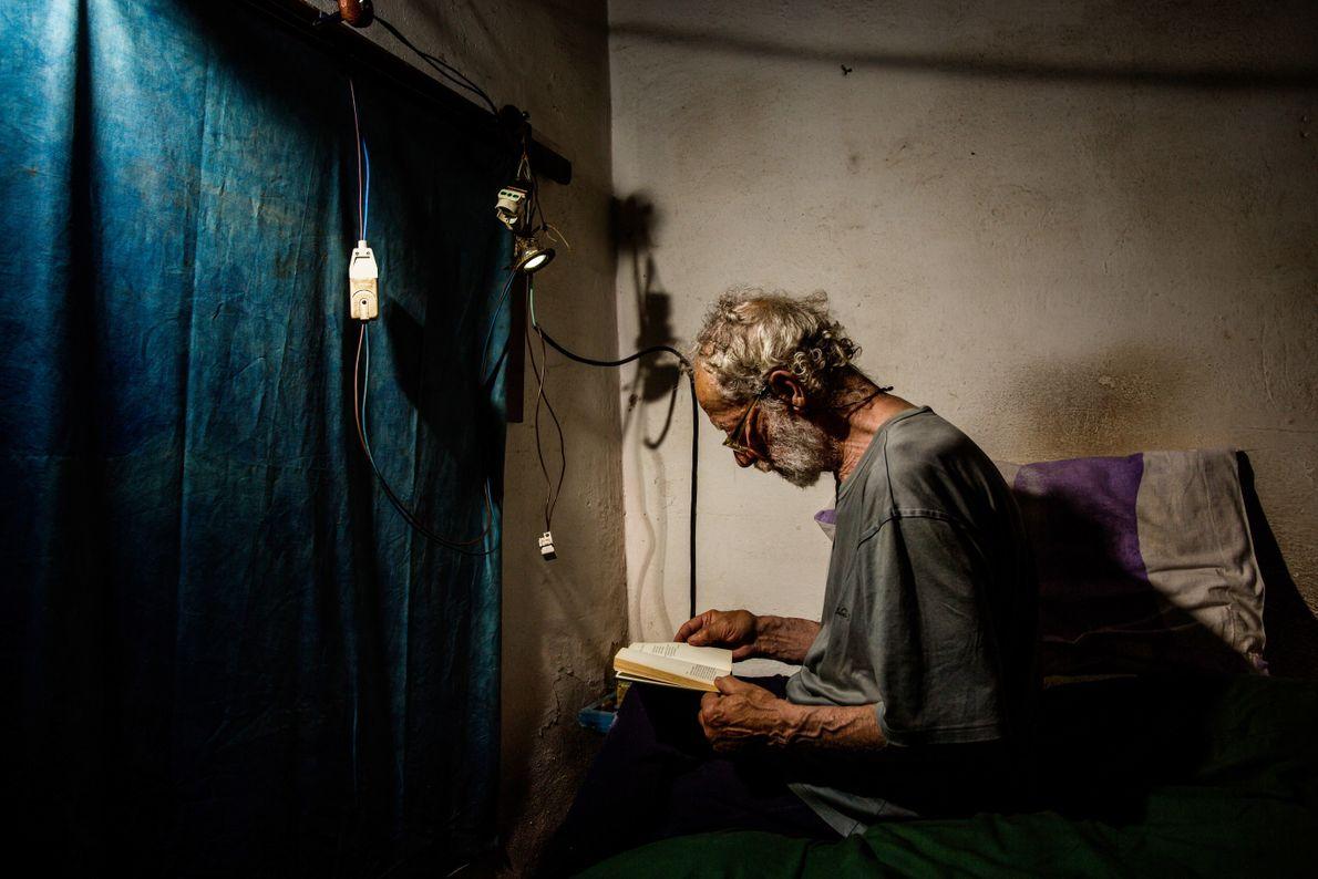 Morandi est un lecteur assidu, surtout pendant les mois d'hiver.