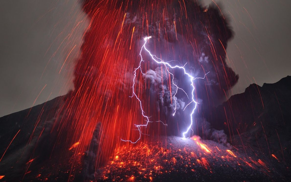 Les volcans aussi produisent des éclairs