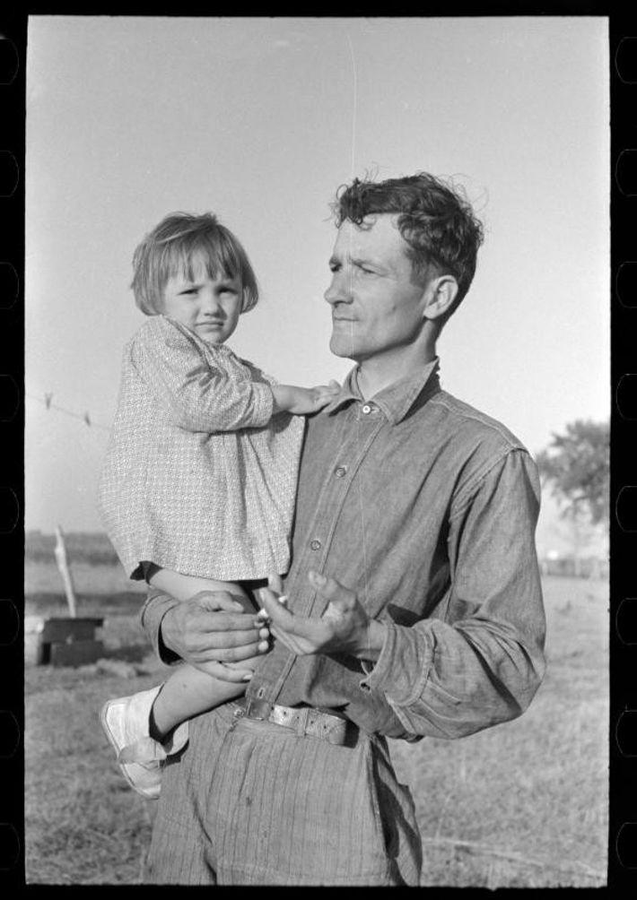 Un agriculteur de canne à sucre cajun avec sa fille, près de La Nouvelle-Ibérie en Louisiane. ...