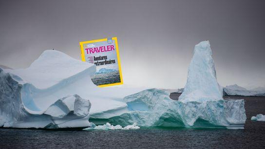 Juste au sud du cercle polaire, une multitude d'icebergs constellent les eaux de Crystal Sound.