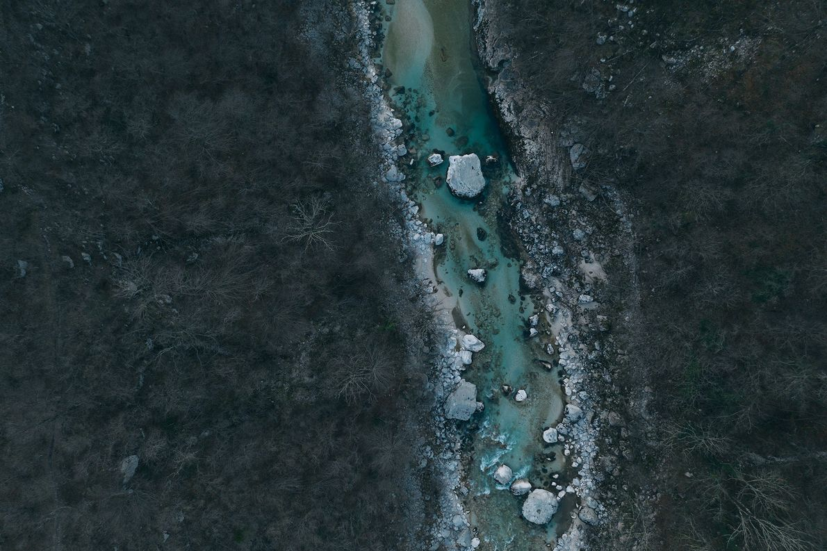 Le fleuve Isonzo qui traverse l'ouest de la Slovénie est une destination populaire auprès des amateurs ...