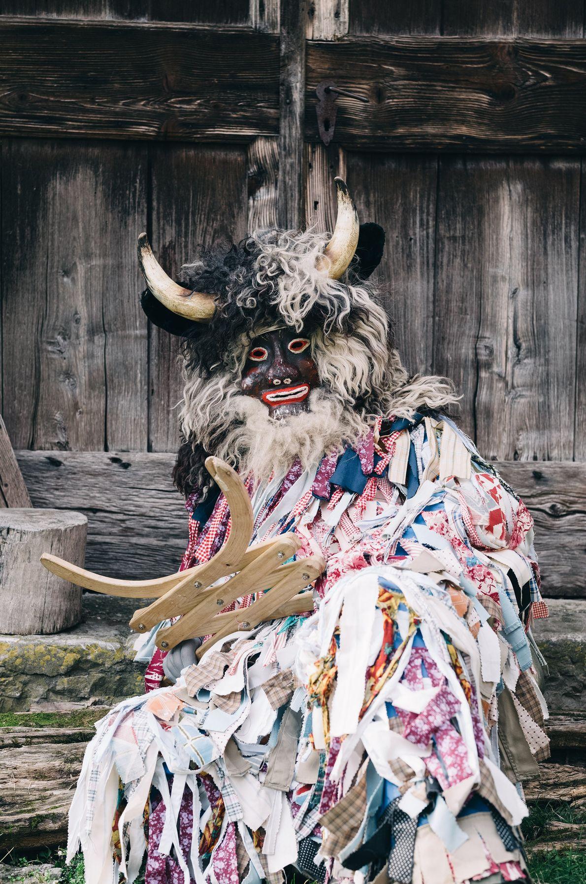 « Pustje » est l'un des personnages les plus emblématiques du clan des Affreux. Dans les ...