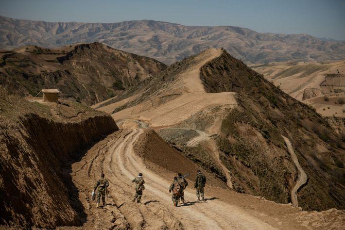 Après quatre semaines dans des avant-postes éloignés, sur la ligne de front, dans la province du ...