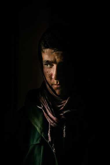 Recruté par les talibans, Samiullah, 16 ans, est accusé d'avoir posé une bombe visant les troupes ...