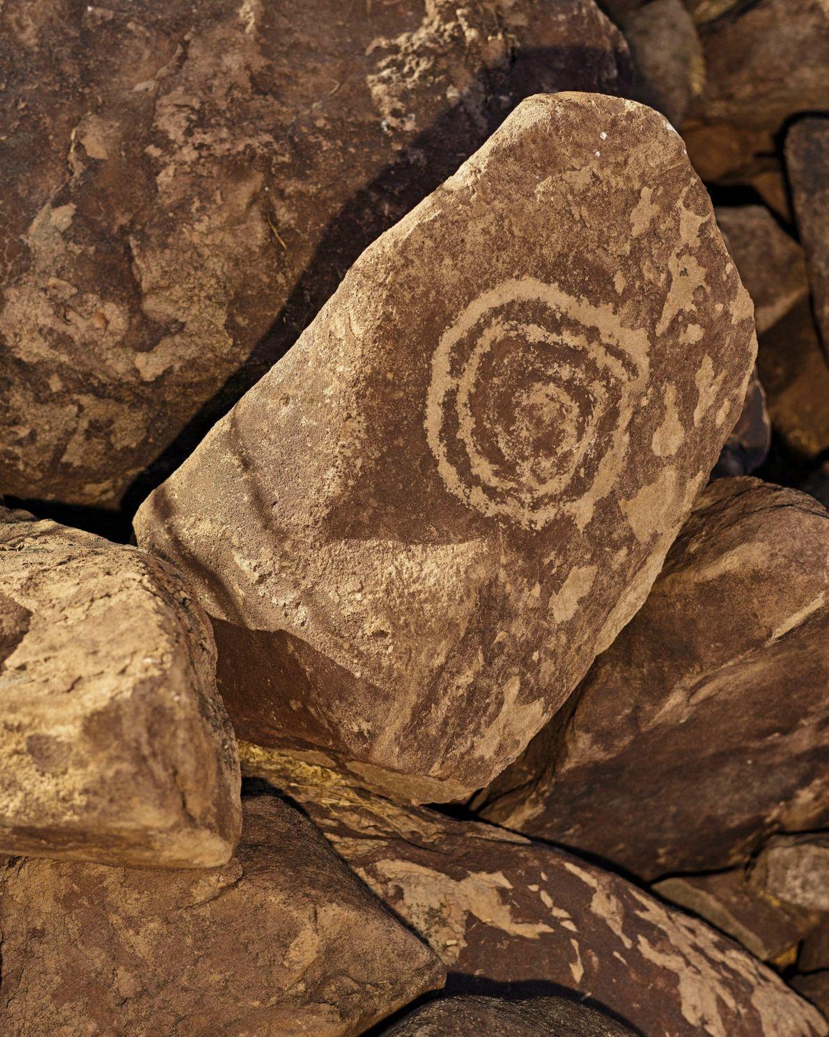 Des pétroglyphes sont disséminés autour du ranch de Nary situé dans la Sierra de San Francisco, en ...