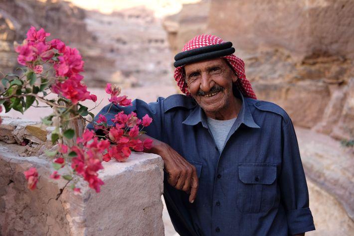 L'Unesco a essayé de convaincre Mofleh Bdoul de déménager dans une maison construite pour lui dans ...