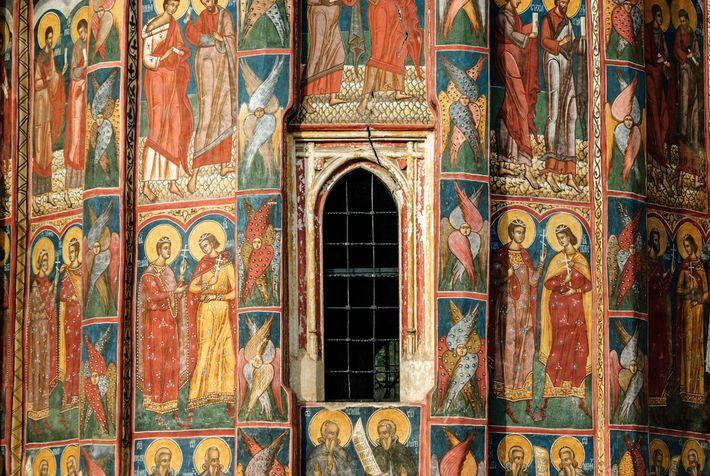 L'église orthodoxe orientale couvrait les bâtiments à l'intérieur et à l'extérieur de peintures pour enseigner des ...