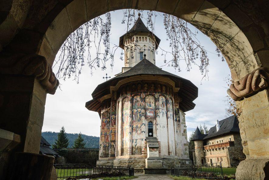 Le monastère de Moldovița est l'un des huit lieux de culte peints commandés par Étienne III ...
