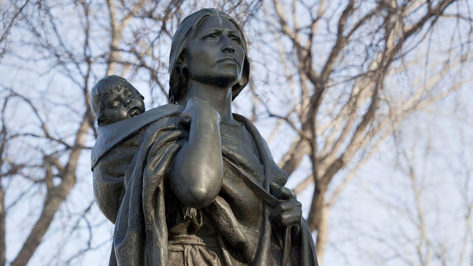 Sacagawea, la célèbre navigatrice amérindienne issue de la tribu des Shoshones, a pris part à l'expédition ...