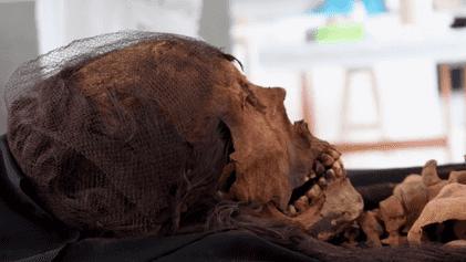 Comment redonner vie à une momie de 1 600 ans ?