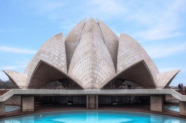 Contrairement à de nombreux sites anciens indiens, l'architecture post-indépendance de Delhi n'est pas protégée juridiquement par ...