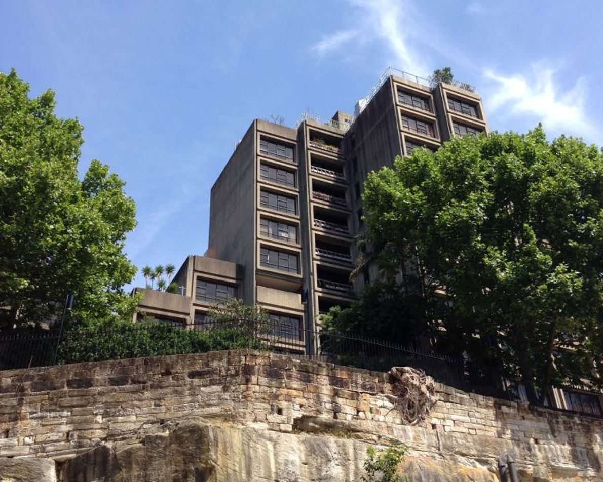 Symbole de l'architecture brutaliste, l'emblématique Sirius Building situé à Sydney, en Australie, a été construit en ...