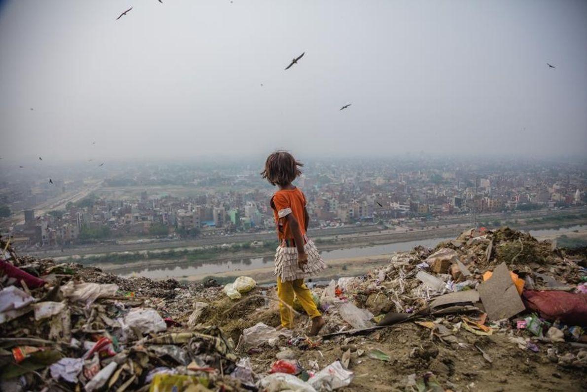 À Delhi, en Inde, la décharge de Ghazipur et ses 30 hectares de déchets font office ...