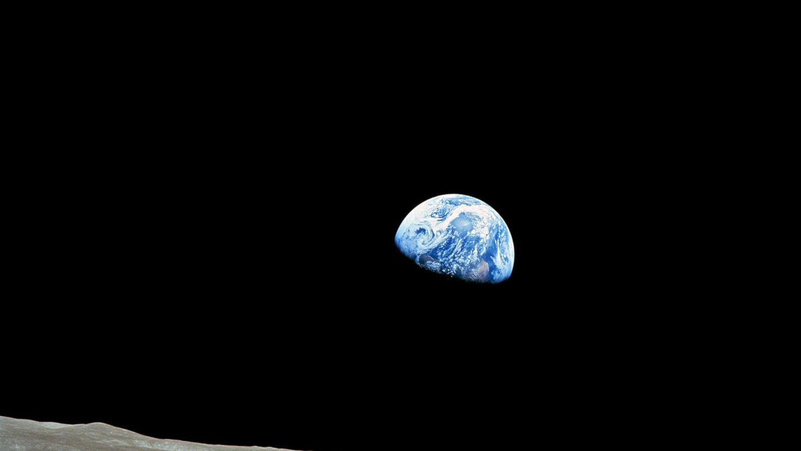 Apollo 8, la première mission habitée vers la Lune, est entrée dans l'orbite de cette dernière ...