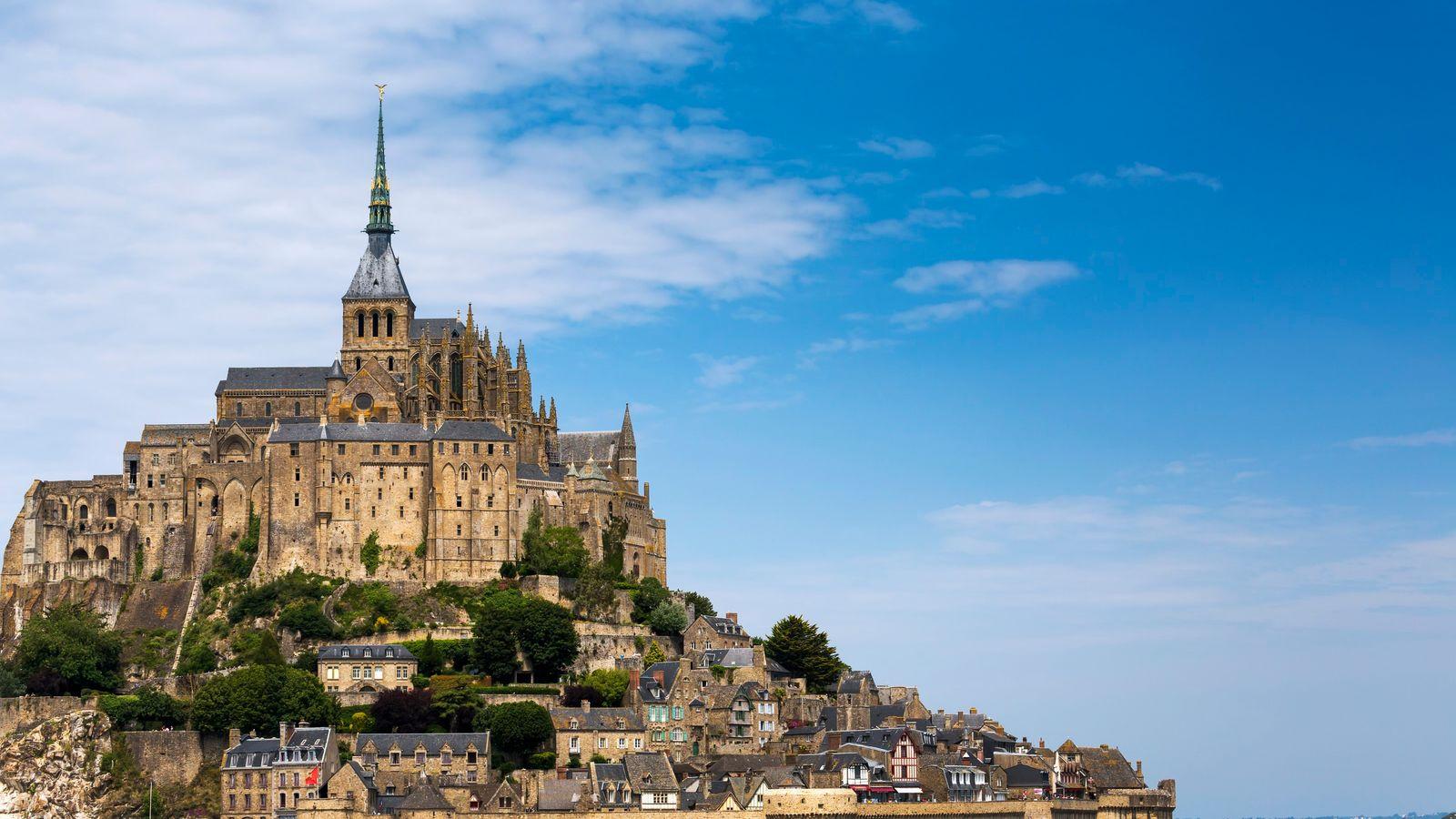 Le Mont Saint-Michel représente la région Normandie dans la nouvelle collection de timbres en ligne imaginée ...