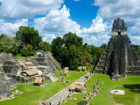 Découverte d'une nouvelle pyramide maya au Guatemala