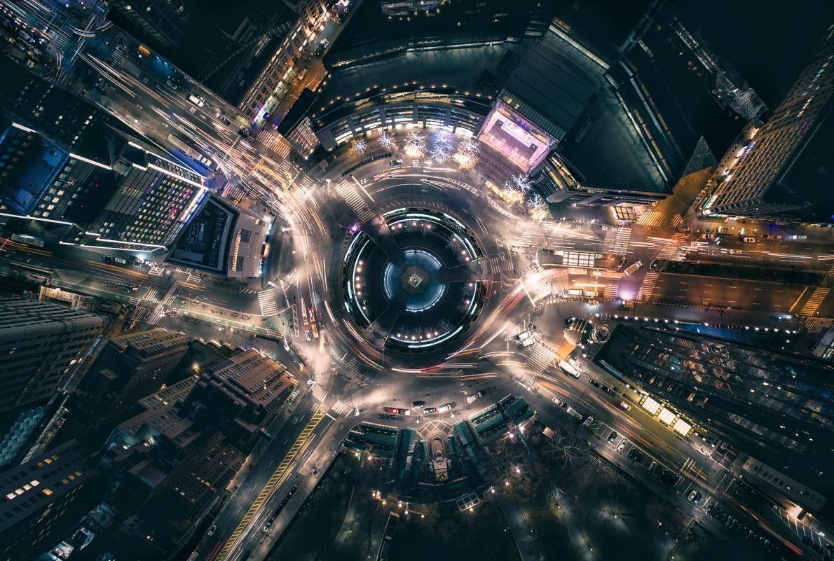 À New York, sur le Colombus Circle, le trafic est intense : « On dirait un ...