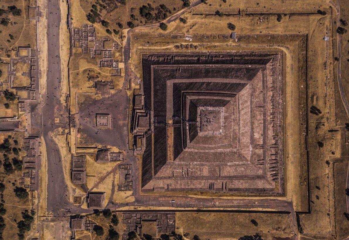 Teotihuacan signifie « l'endroit où les dieux ont été créés », et c'est exactement ce que ...