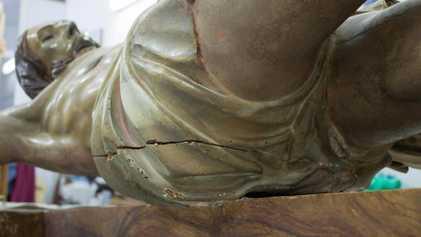 Une capsule témoin du 18e siècle découverte dans une statue de Jésus-Christ