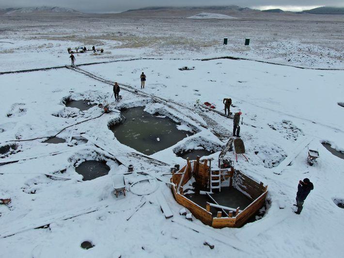 Vue partielle du cimetière de Tunnug 1 sur la steppe sibérienne. Les archéologues ont travaillé pendant l'automne ...