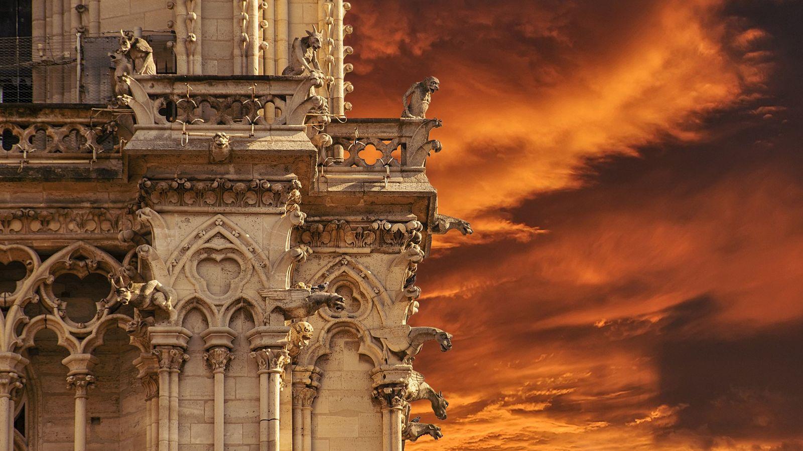 1844 :L'importance de conserver le patrimoine médiéval se fait sentir et motive la décision de restaurer ...