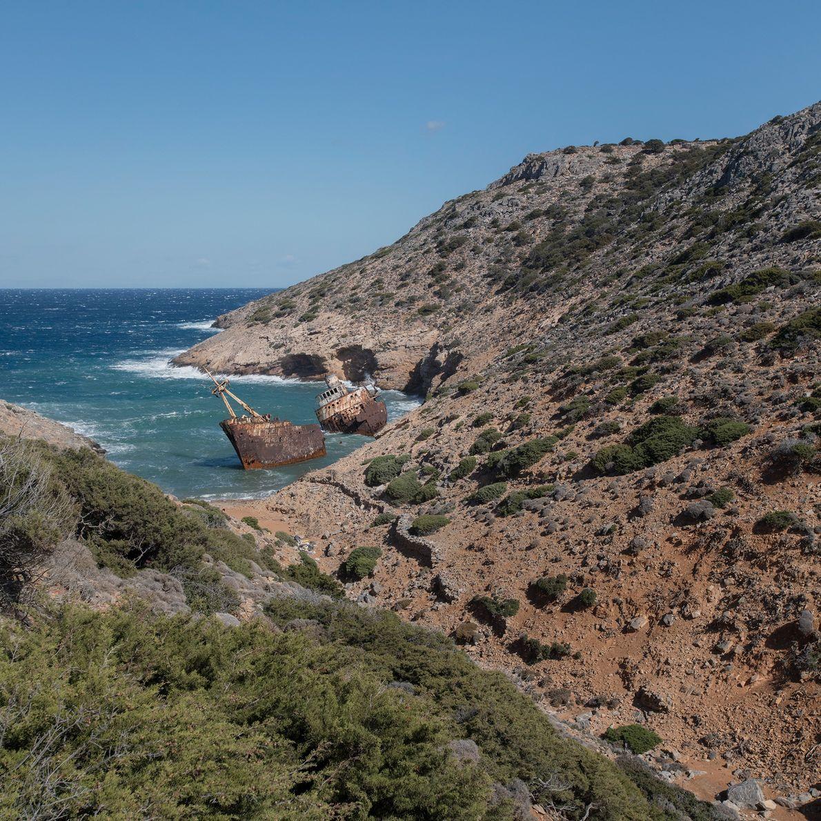 L'épave de l'Olympia, qui a fait naufrage en 1979, repose dans la baie de Liveros. Le ...