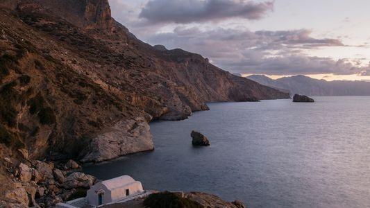 Irini, la touriste devenue la seule nonne de l'île grecque d'Amorgos