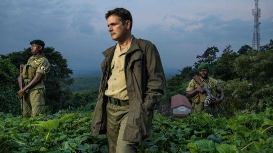 Emmanuel de Merode, flanqué de gardes du corps au Parc national des Virunga, a dirigé le ...