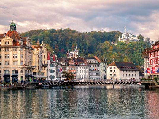 Lucerne, la cité historique nichée au pied de la montagne aux dragons