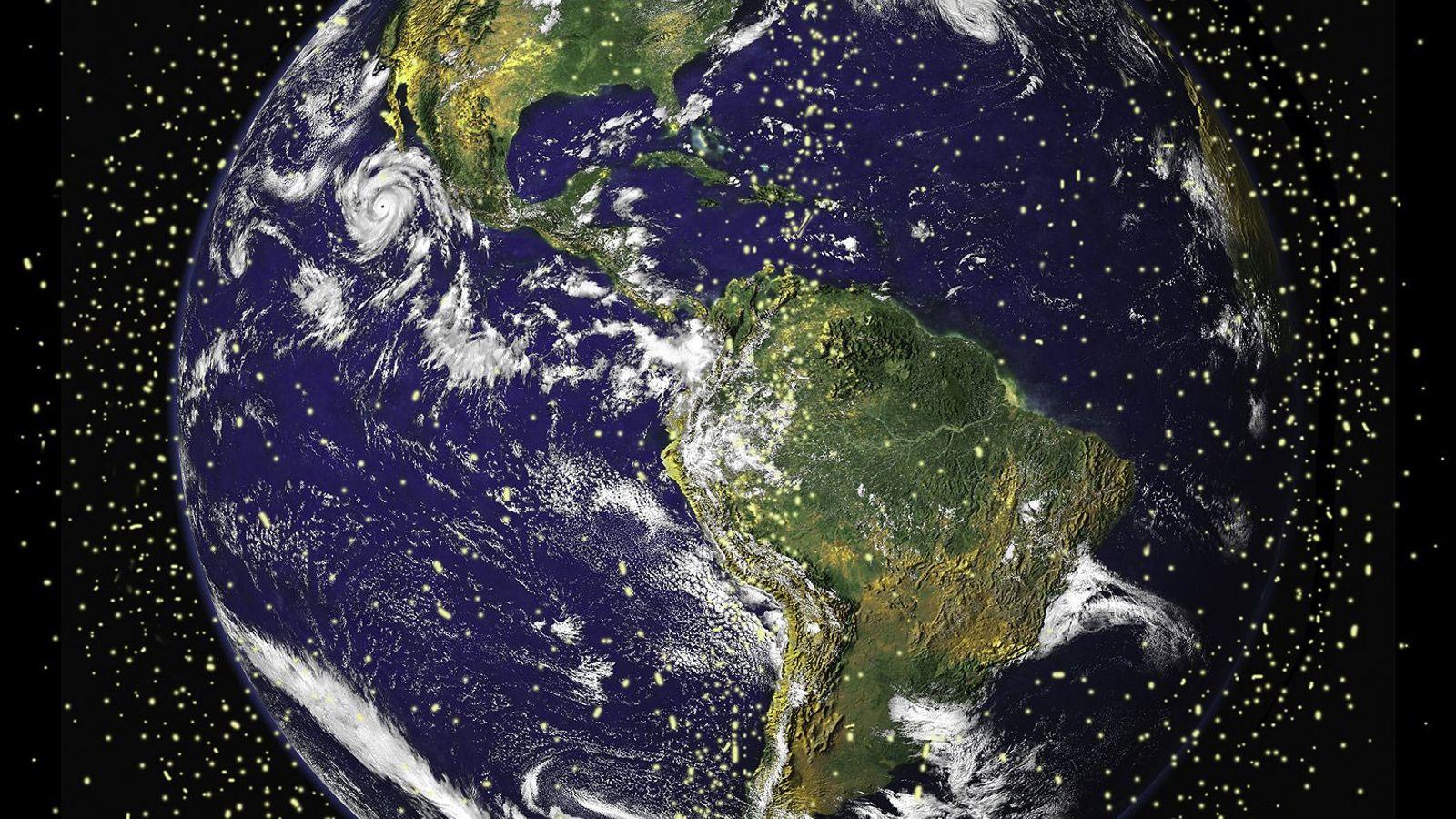 Environ 29 000 objets fabriqués par l'Homme dont la taille dépasse 10 centimètres orbiteraient autour de notre planète.