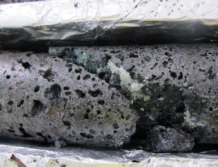 Climeworks - CO2 transformé en roche grâce au processus Carbfix
