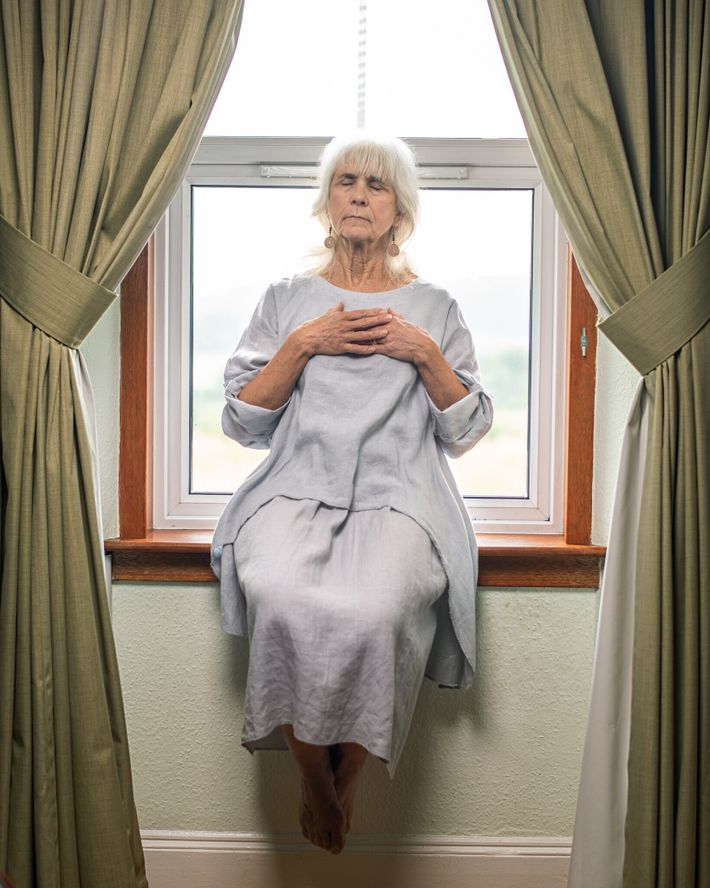 Lorsque Jo Cameron a subi une intervention chirurgicale pour soigner l'arthrite dont elle souffrait au niveau ...