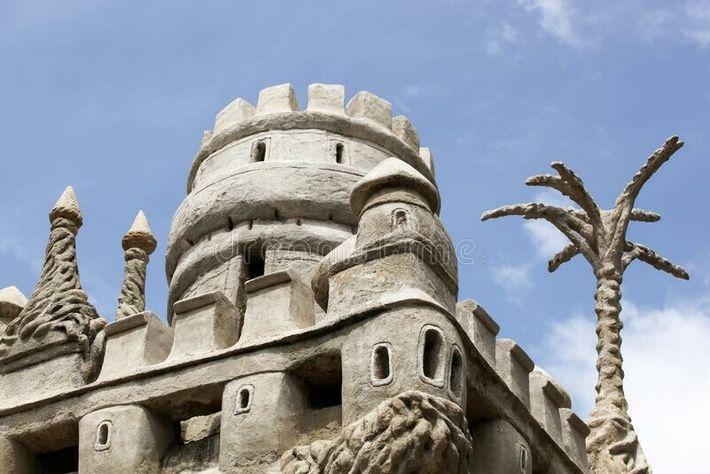 Le facteur Cheval, employé du service des Postes, a bâti ce monument semblable à nul autre.