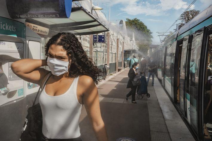 PARIS, FRANCE. Après la nouvelle vague de chaleur de 2019, la RATP a installé à titre ...