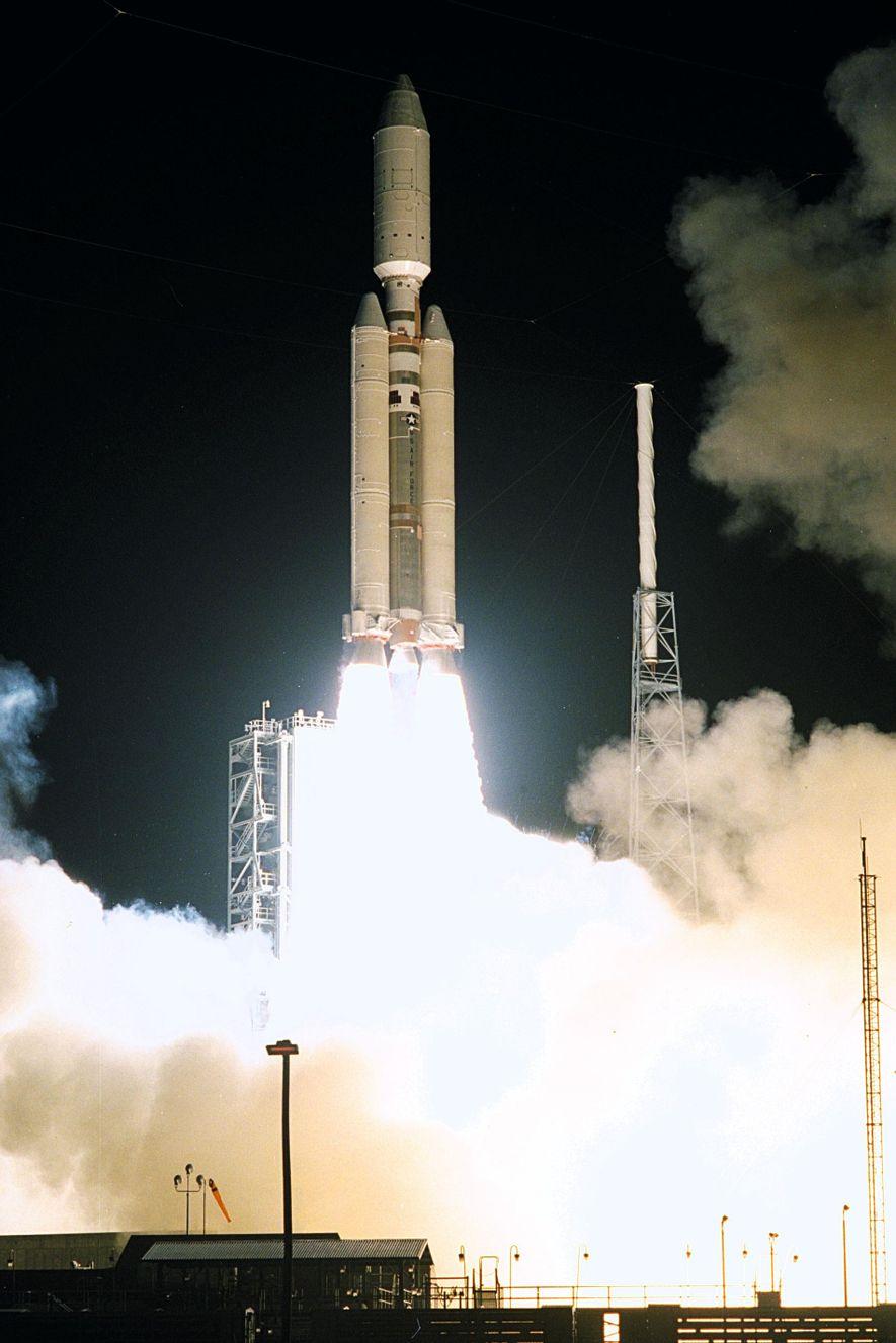 Le 15 octobre 1997, une fusée Titan IVB/Centaur a transporté jusqu'à Saturne la sonde Cassini, auquel ...