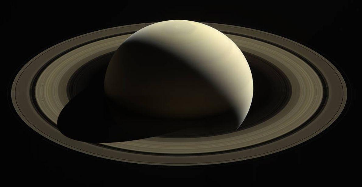 Avec 20 nouvelles lunes, Saturne devient la planète avec le plus de satellites