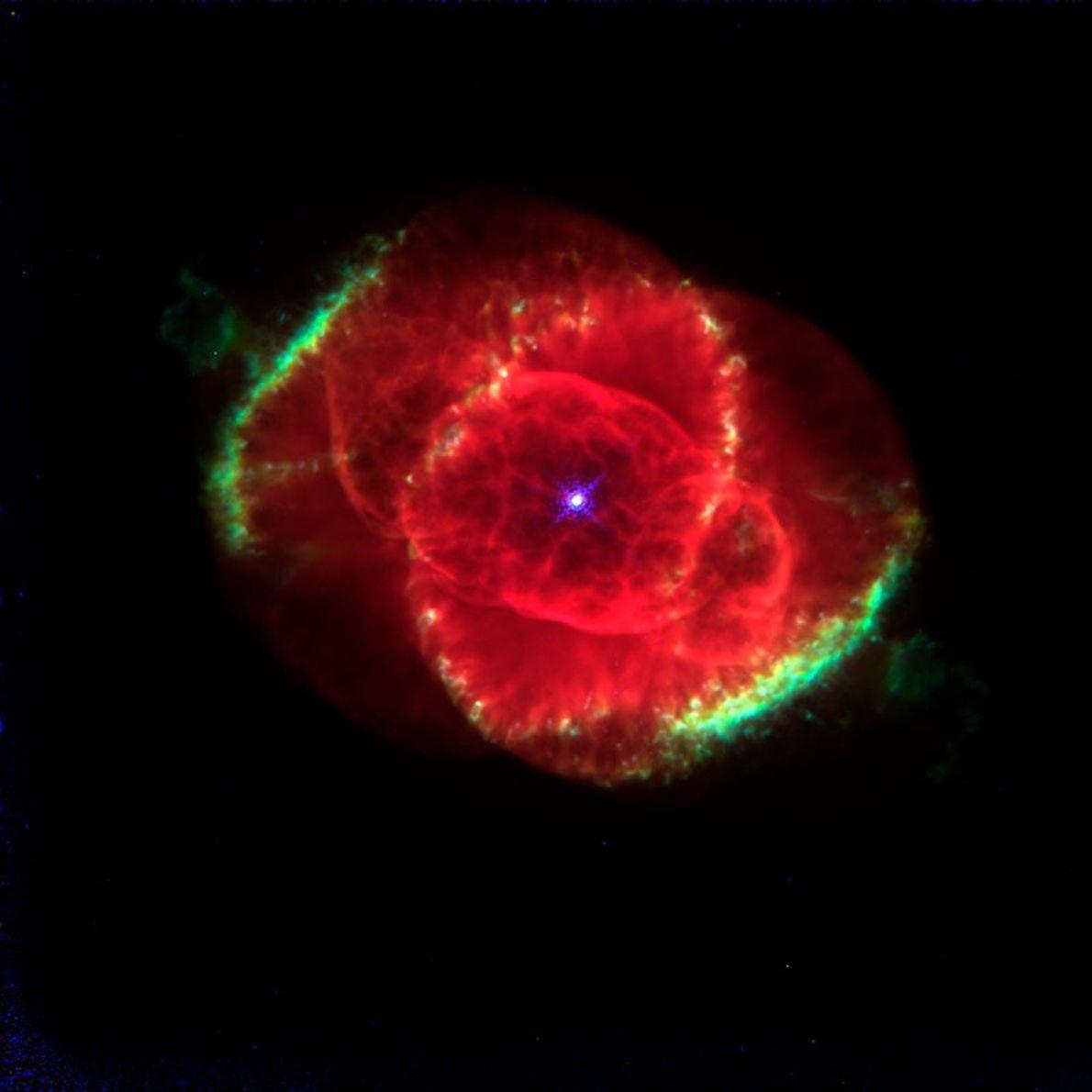 Officiellement baptisée NGC6543, la nébuleuse de l'Œil de Chat aurait plus de mille ans. Hubble a ...