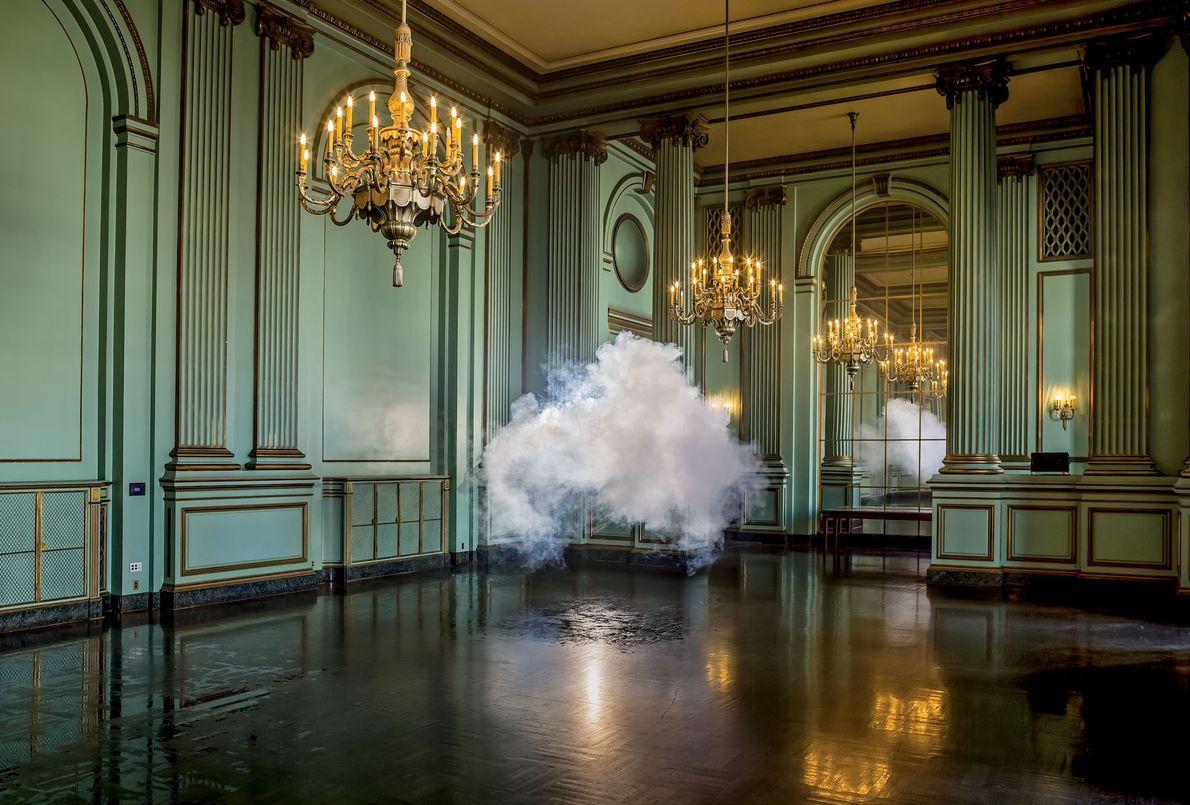 Parmi les lieux explorés par le photographe, citons la Green Room du San Francisco War Memorial ...
