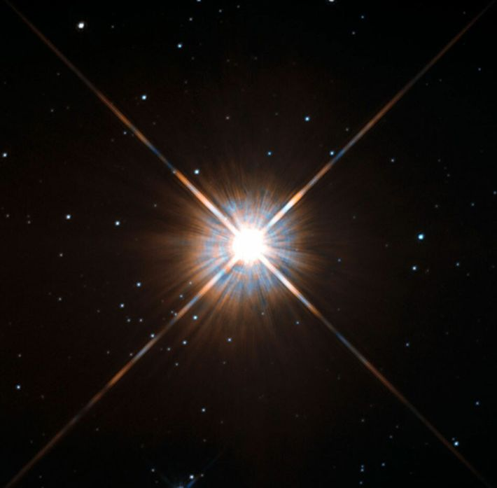 Photographie de notre voisine stellaire le plus proche, Proxima Centauri, prise par le télescope spatial Hubble.