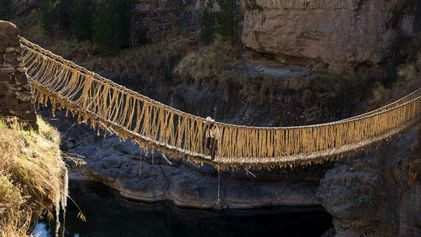 Q'eswachaka, le dernier pont suspendu inca fait entièrement d'herbe