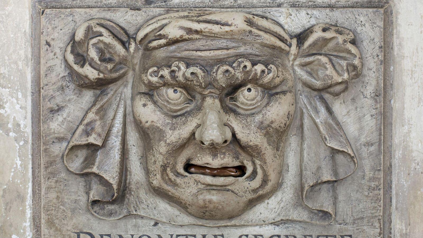 À Venise, les citoyens avaient la possibilité d'informer le gouvernement de leurs complaintes à travers les ...